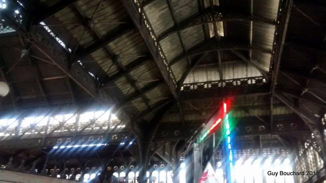 Le plafond en acier du Mercado central (il est illustre semble-t-il)
