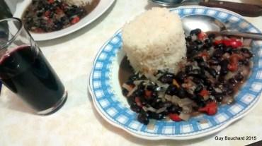 Un succulent repas de notre guide José. Ce serait cubain et excellent!