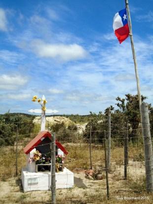Animita (nom donné à ces petites structures rendants hommage à un défunt de la route)