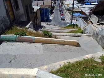 Une ruelle en pente à Coquimbo