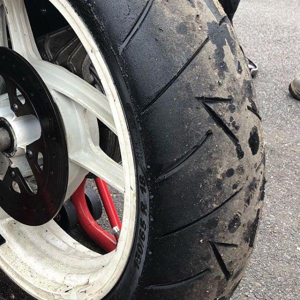 When you blow your engine at 220kph, some of the oil ends up in the wrong place! My Guzzi Daytona rear wheel. #guzziraceraus #classicracing #motoguzzi #motoguzzidaytona