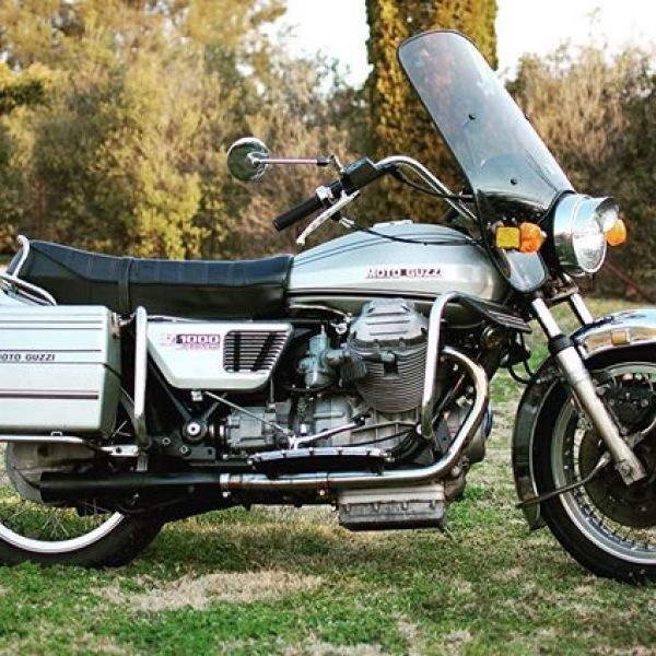 Out cruising on my 1975 Moto Guzzi Convert. Automatically in a good mood. #guzziraceraus #motoguzzi