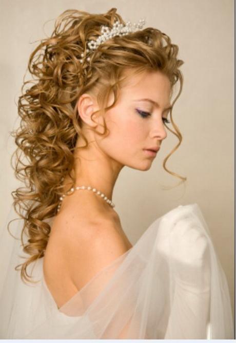 Bridal Hairstyle With Tiara
