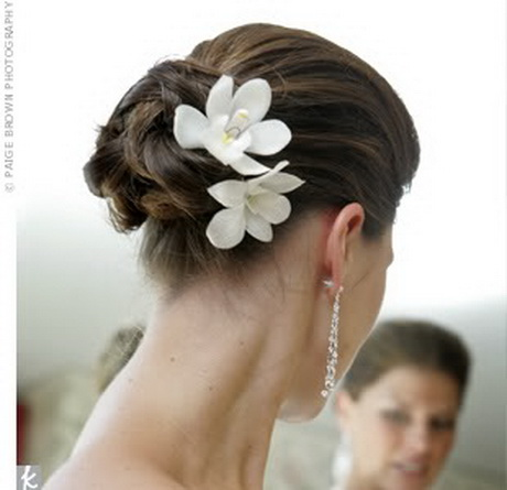 bridesmaid hairstyles updos