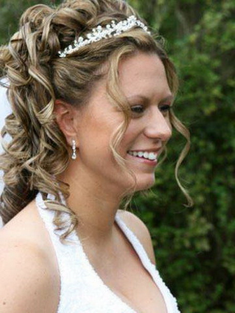 Prom Hairstyles With Tiaras