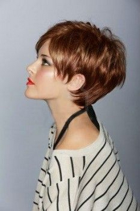 Short Feathered Hairstyles