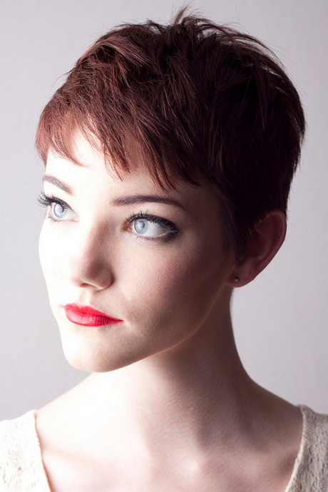 Short Hairstyles For Women In 30s