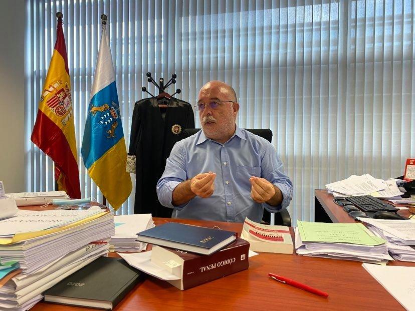 """Le juge Arcadio Diaz Tejera estime que la situation au port d'Arguineguin est """"illégale"""". Crédit : InfoMigrants"""