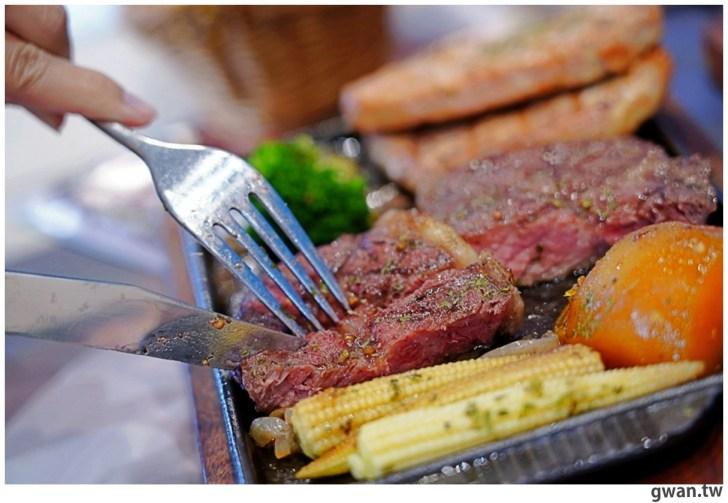20201110144726 7 - 熱血採訪|台中霸氣牛排館,排餐最低290元起,滿滿牛肉塊羅宋湯免費喝到飽!
