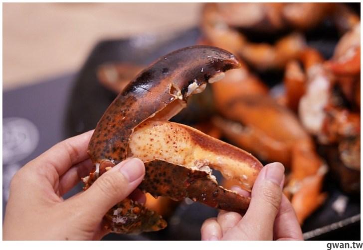 20211001234109 92 - 熱血採訪|人少也能吃!滿滿龍蝦吃到爽,新鮮蝦肉一拉整塊就起來