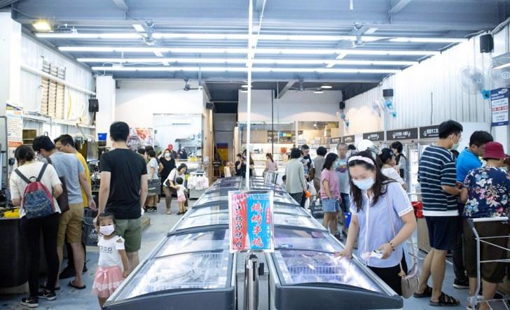 5968bc33a2b950beecb40935520d9ee5 - 熱血採訪 台中最大海鮮超市!泰國蝦超便宜,烤肉串燒通通買的到!
