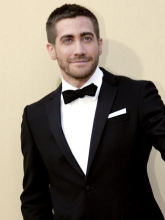 10.gyllenhaal-in-burberry