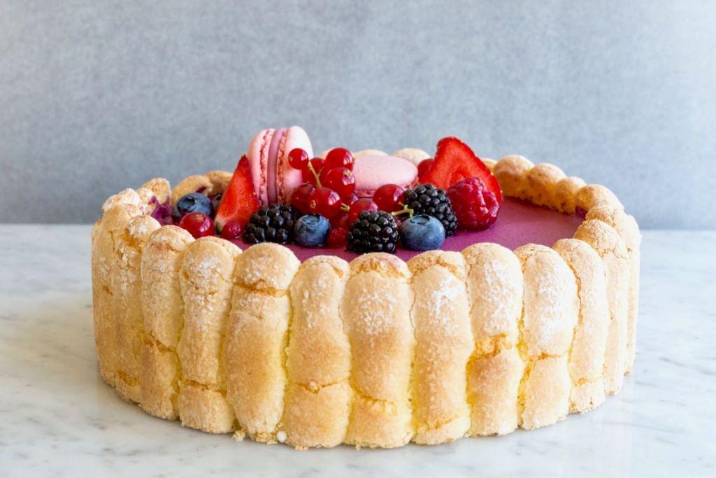 Charlotte met rood fruit - Gwenn's Bakery
