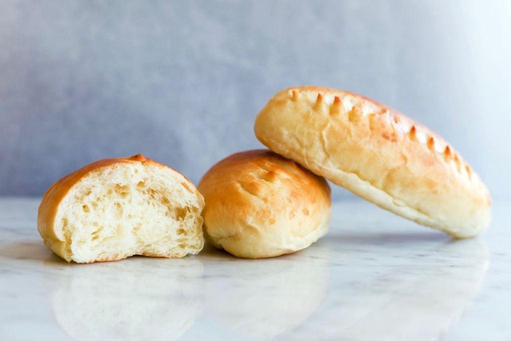 Pains au lait (melkbroodjes) - Gwenn's Bakery