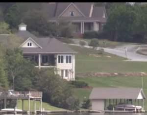 house lake view 2