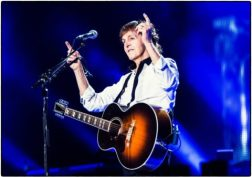 "Paul McCartney on the ""Out There"" tour, Brasilia, 2014"