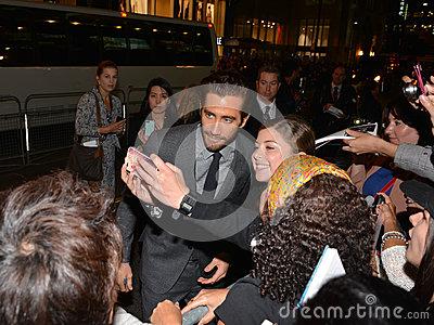 toronto-international-film-festival-september-actor-jake-gyllenhaal-takes-selfie-fans-his-new-33461416