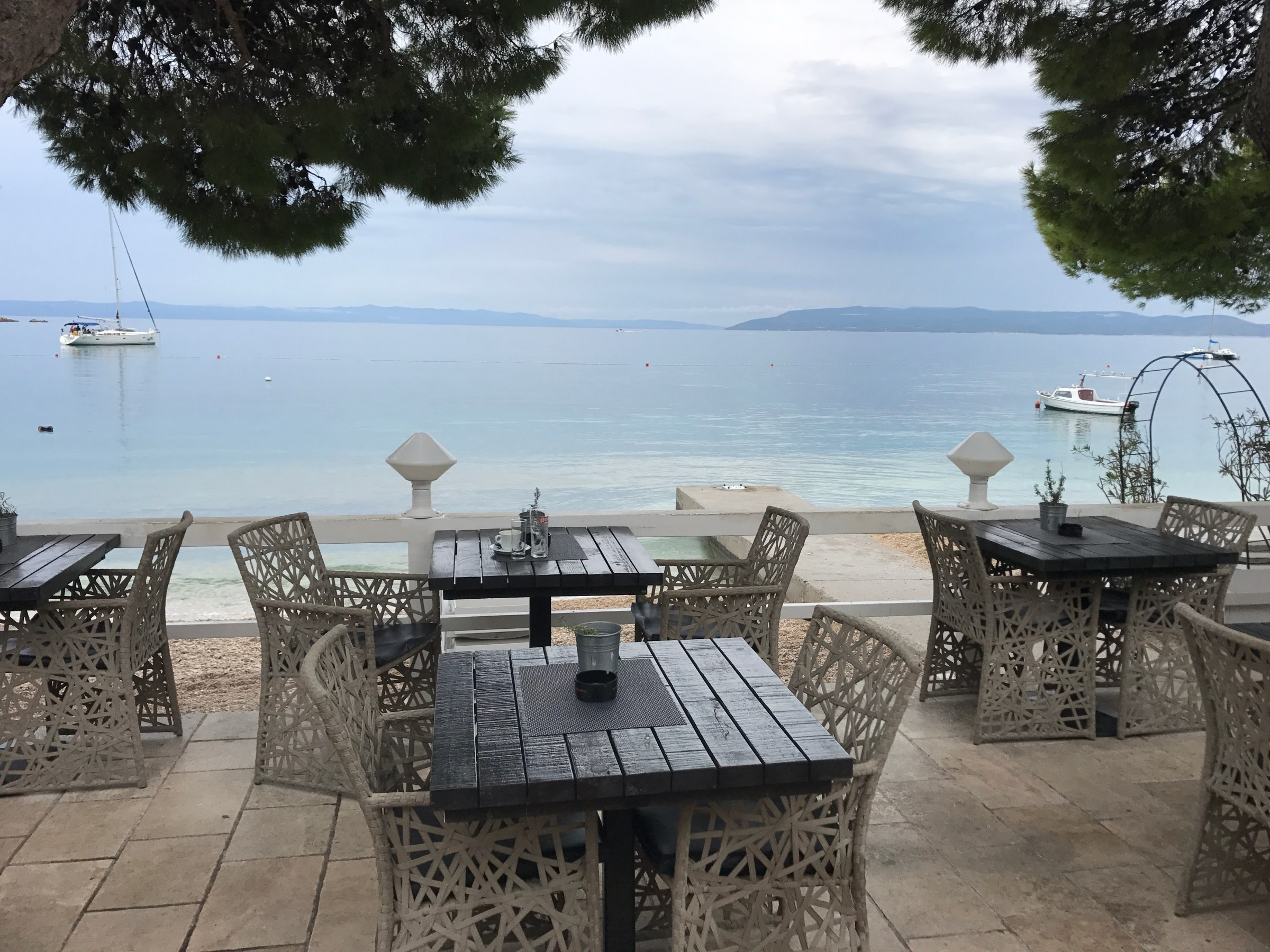 strandpromenaden i Makarska