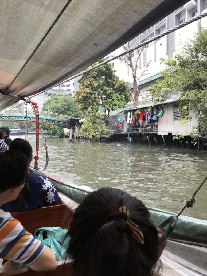 gyllintours åker båt i bangkok