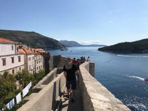 på muren i Dubrovnik