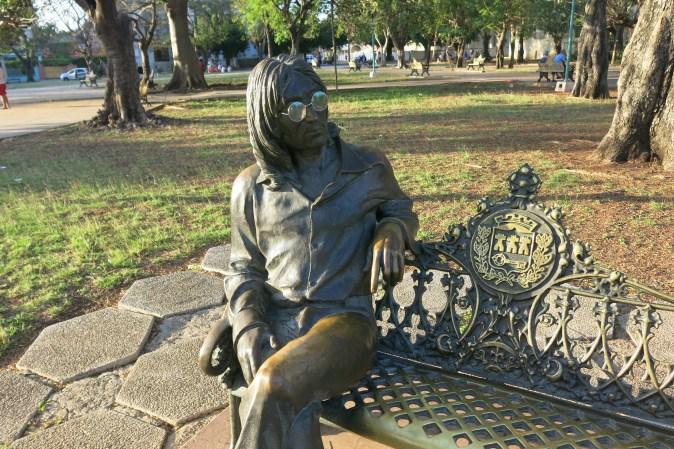 John Lennon i parken