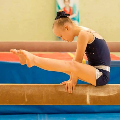 Bibi-Wetzel-gimnasta-veracruzana-poniendo-en-alto-Mexico