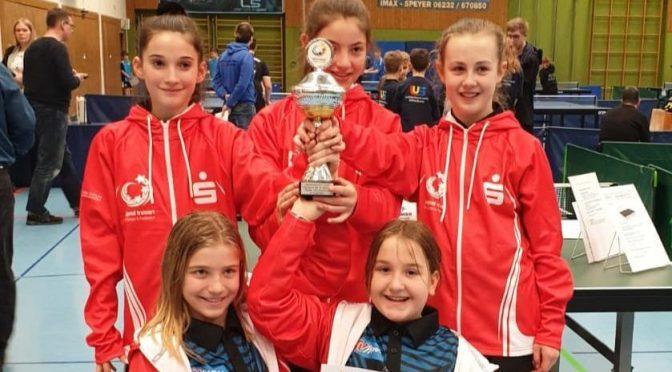 Mädchenmannschaft des GO wird Landesmeister im Tischtennis