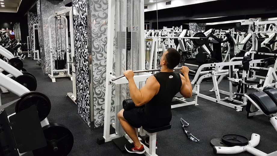 Back Lat Pulldowns