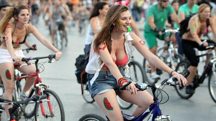 11η Διεθνής Γυμνή Ποδηλατοδρομία