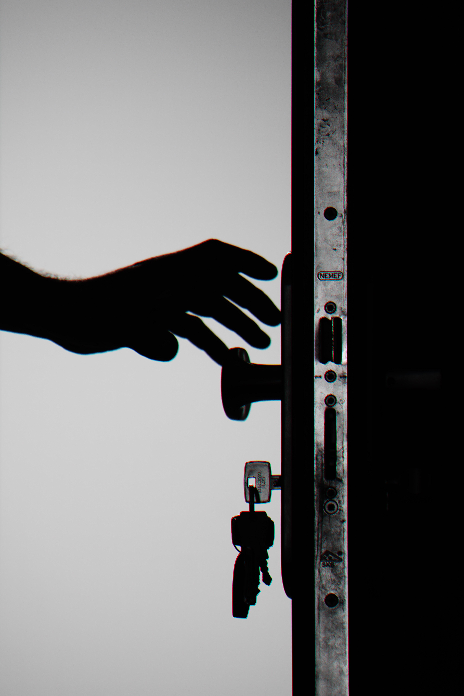 «Όταν κλείνει μια πόρτα τελικά ανοίγει κάποια άλλη;»