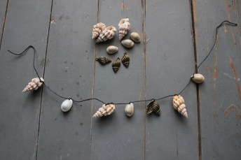 Making-a-Vintage-Shell-Necklace