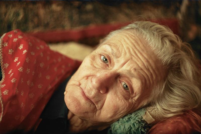 Πόσο δίκιο είχες γιαγιά μου; Μου λείπεις! Μ' ακούς;
