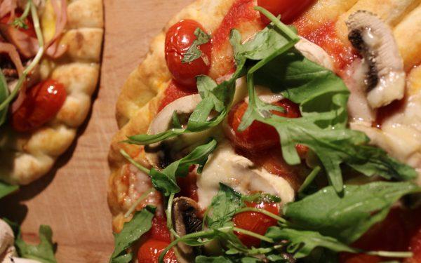 Σπιτική πανεύκολη πίτσα της διαιτολόγου Γεωργίας Στυλιανοπούλου