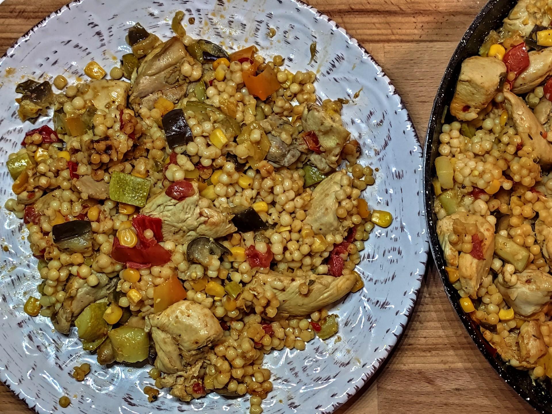 Κοτόπουλο με λαχανικά και κους κους