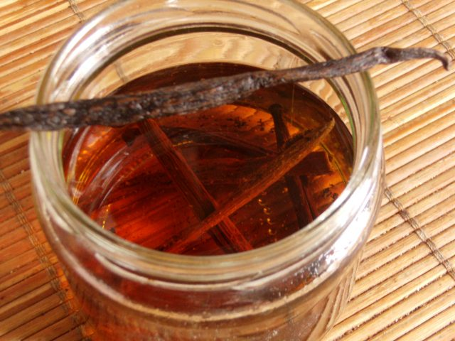 vaníliakivonat és vaníliás cukor házilag