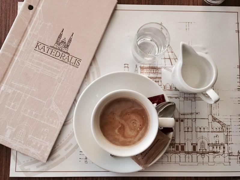 Katedrális étterem teljes arculati terve