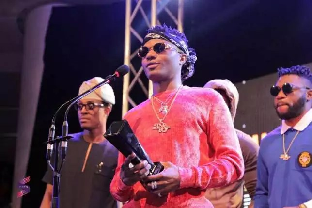 Wizkid wins Artiste of the Year at Soundcity MVP Awards 2016
