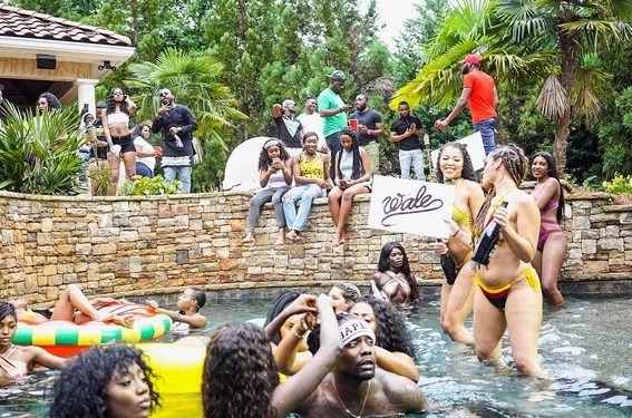 Wale Shot Video of Fine Girl with Davido and Olamide 02