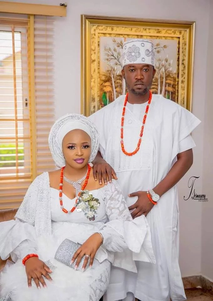 Biola and Gbemi Weds In Ibadan 08