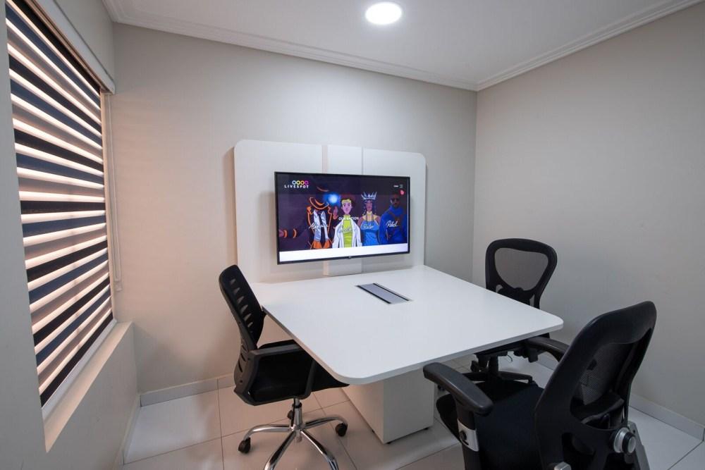 Inside View of Dare Art Alade Deola Art Alade Livespot Multi Million Dollar Office In Lagos 09