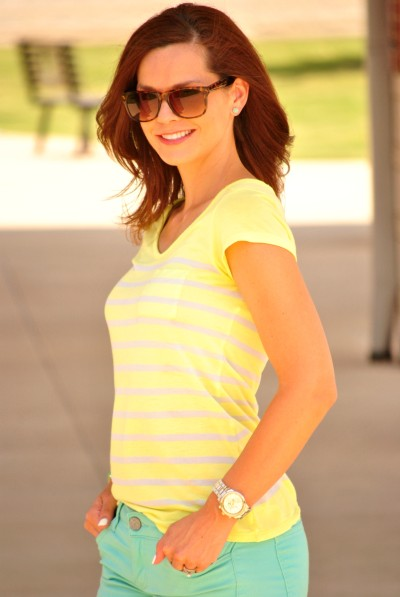 Mint Jeans Yellow Tee Close