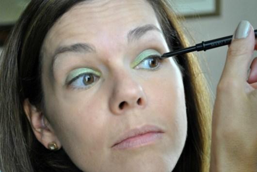 mary-kay-green-eyeliner