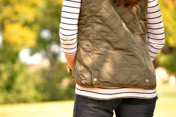 olive-puffer-vest-outfit