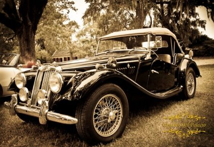 Classic cars at the Scottish Games
