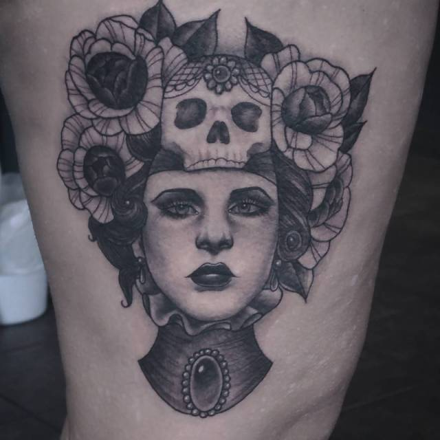 Didnthisnlady flash piece from my books today Happy with thehellip