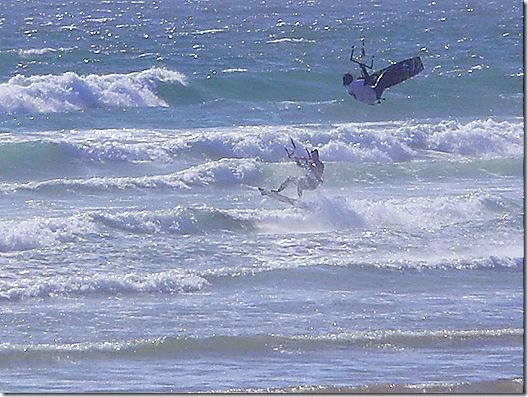 Wndsurfer flying