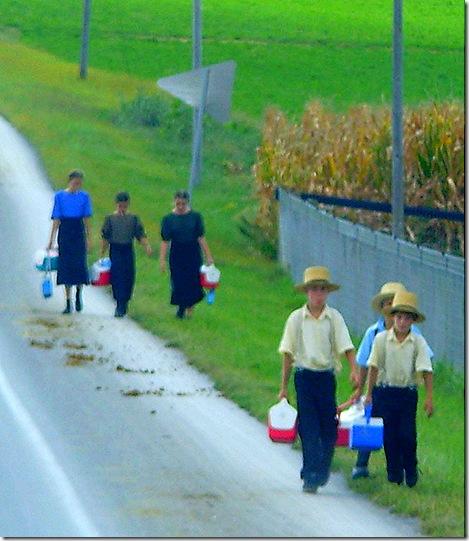 Amish schoolkids