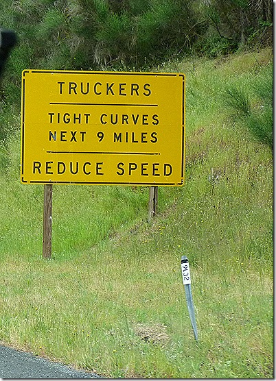 Truckers tight curves sign