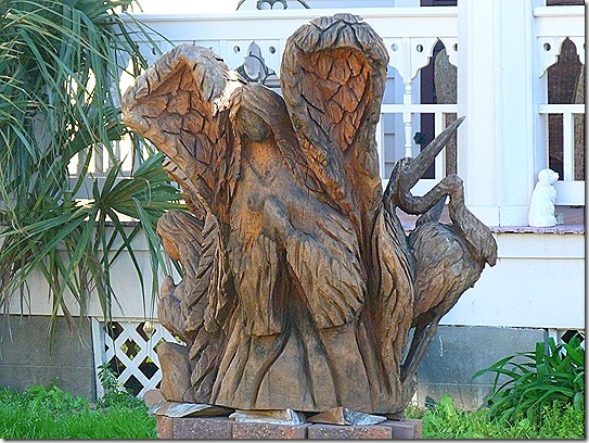 Tree statue angel