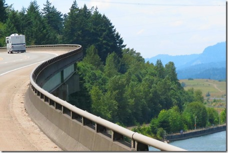 Curvy bridge